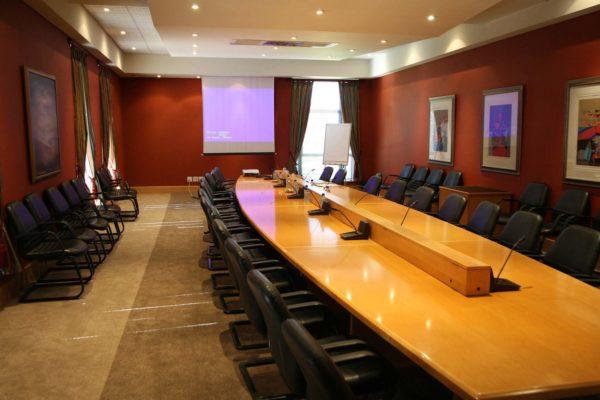 Maple Boardroom GALLERY 1